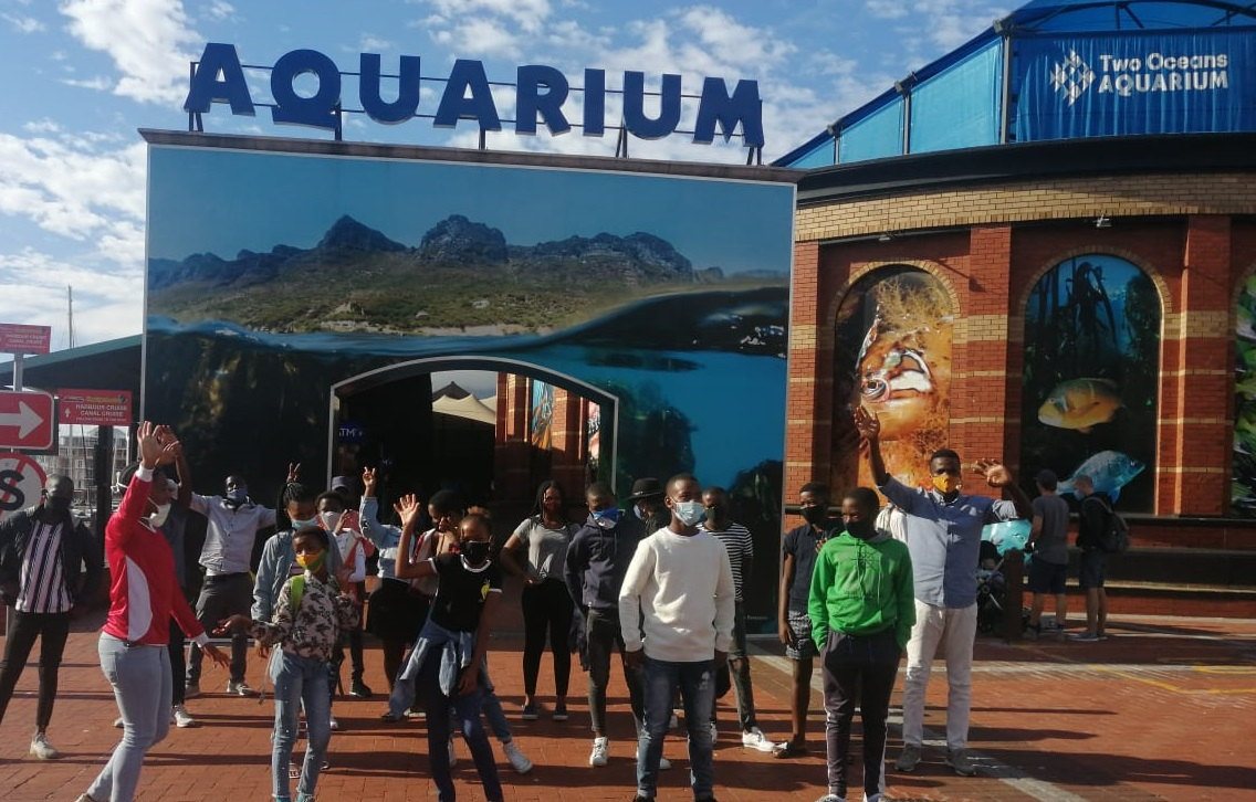 The Gugulethu environmental champions visit the Two-Oceans Aquarium