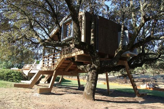 tree house in spain