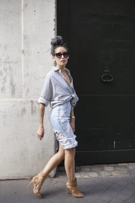 Distressed Denim Skirt Trend For Causal Wearing In Summer