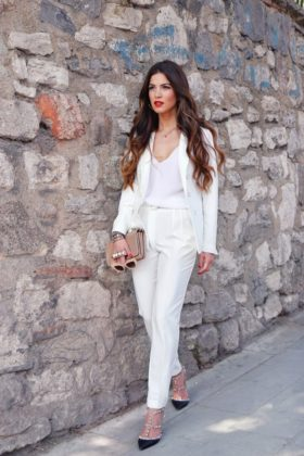 White Formal Dresses That You Will Love To Wear In Summer