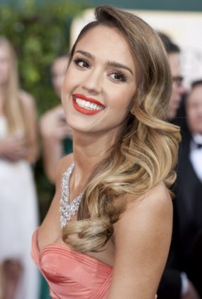Celebrity Wavy Hairstyles From The Red Carpet Events