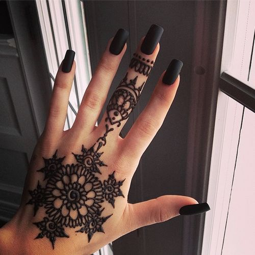 Hand Finger Mehndi Designs For Autumn Events 2016 7