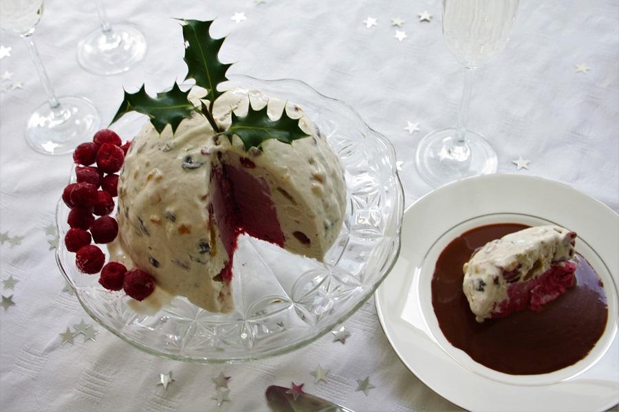 nice cream Christmas pudding