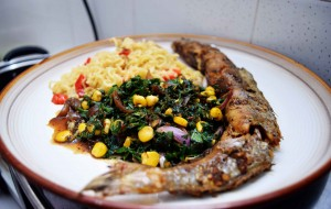Corned spinach with noodles and grilled fish