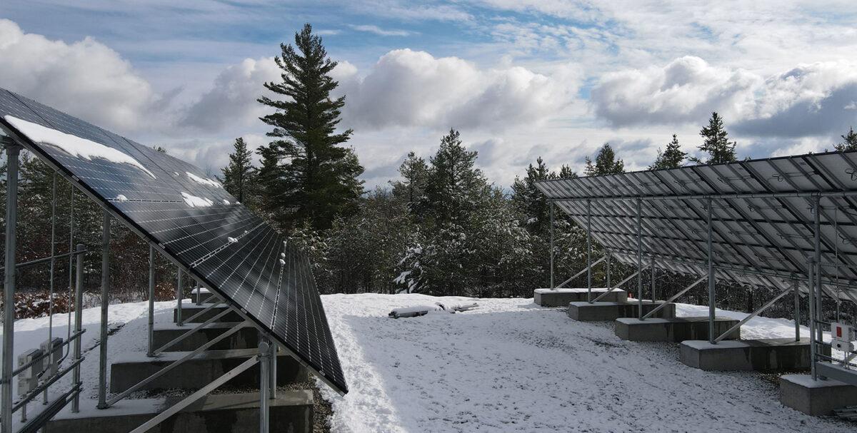 Meander Lake solar hybrid power system