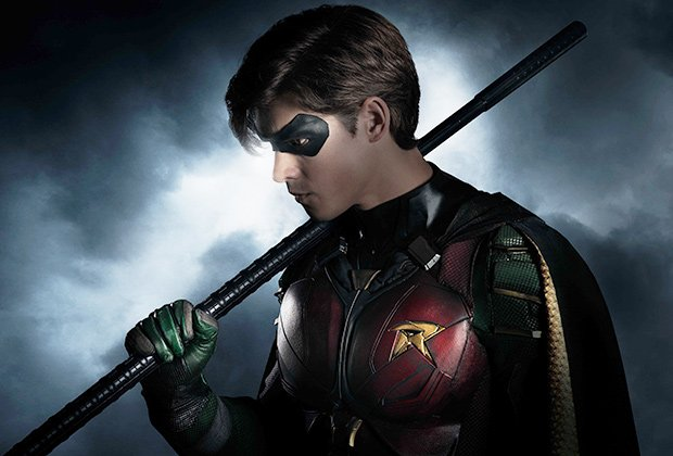 Brenton Thwaites as Robin as Dick Grayson first look revealed