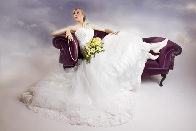 Wedding photography-bride-pearls