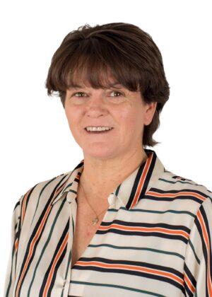 Julie Leaton
