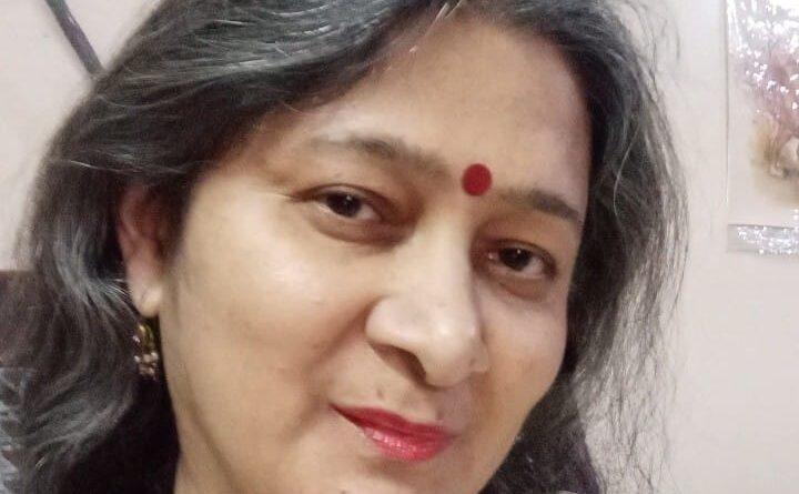 """कवित्री सलोनी चावला द्वारा लिखित कविता -सुहागनोंके त्यौहार""""करवाचौथ"""" पर औरतों की खिलखिलाती मनोदशा और चाँद का इतराना"""