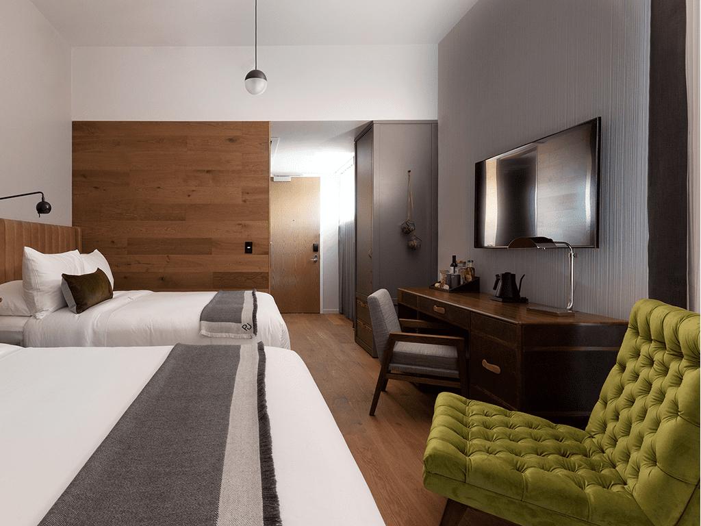 Enorm-Gallery36499-hotel-room_1024x1024