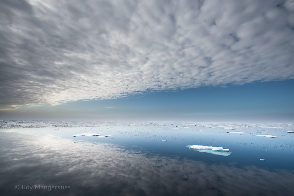 Perfect Arctic Ocean - D800, 14-24mm, 1/640 sec, f/8 @ ISO 320
