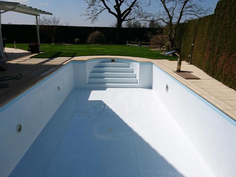 Schwimmbad Reinigung