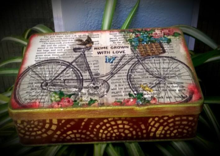 Vintage Decoupage on Altered tin – Beginners decoupage workshop