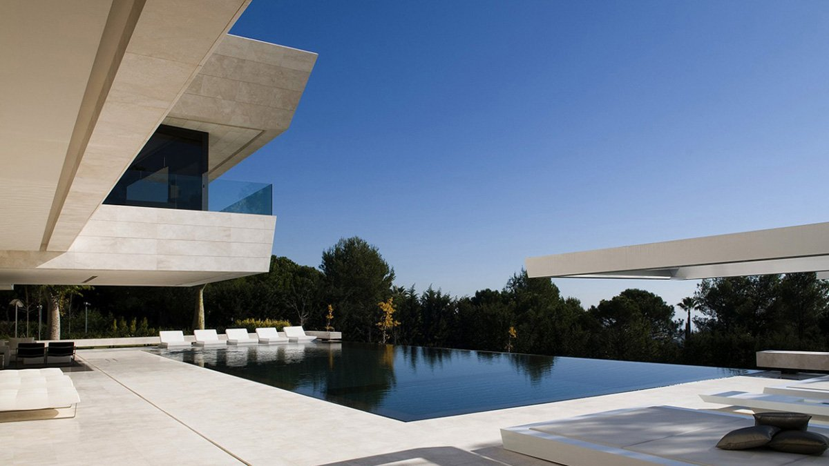 real photo of this luxury single house at Marbella of A-cero architects