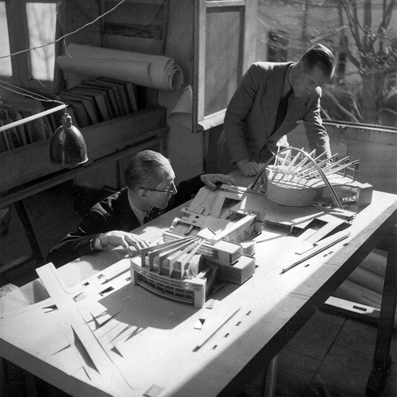 Le Corbusier prepares a model for his Palace of the Soviets proposal