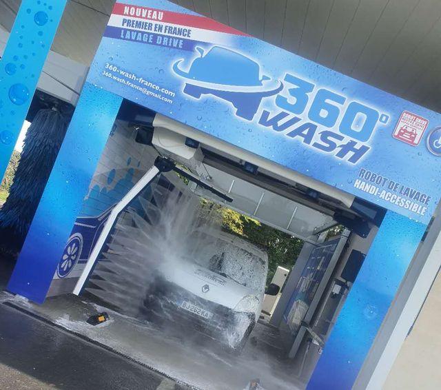 lave-auto sans contact haute pression