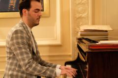 Ο βραβευμένος σολίστ πιάνου και Καλλιτεχνικός Διευθυντής της ορχήστρας City of London Soloists Σταύρος Δρίτσας