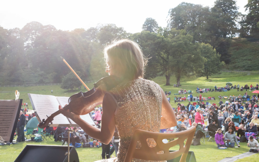 What You Need to Know About Proms & Prosecco in the Park