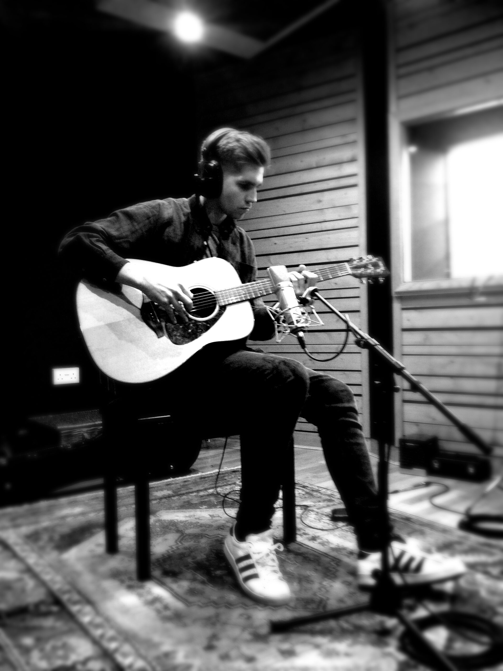 Slipway-Studio_Acoustic-Guitar_Recording_01