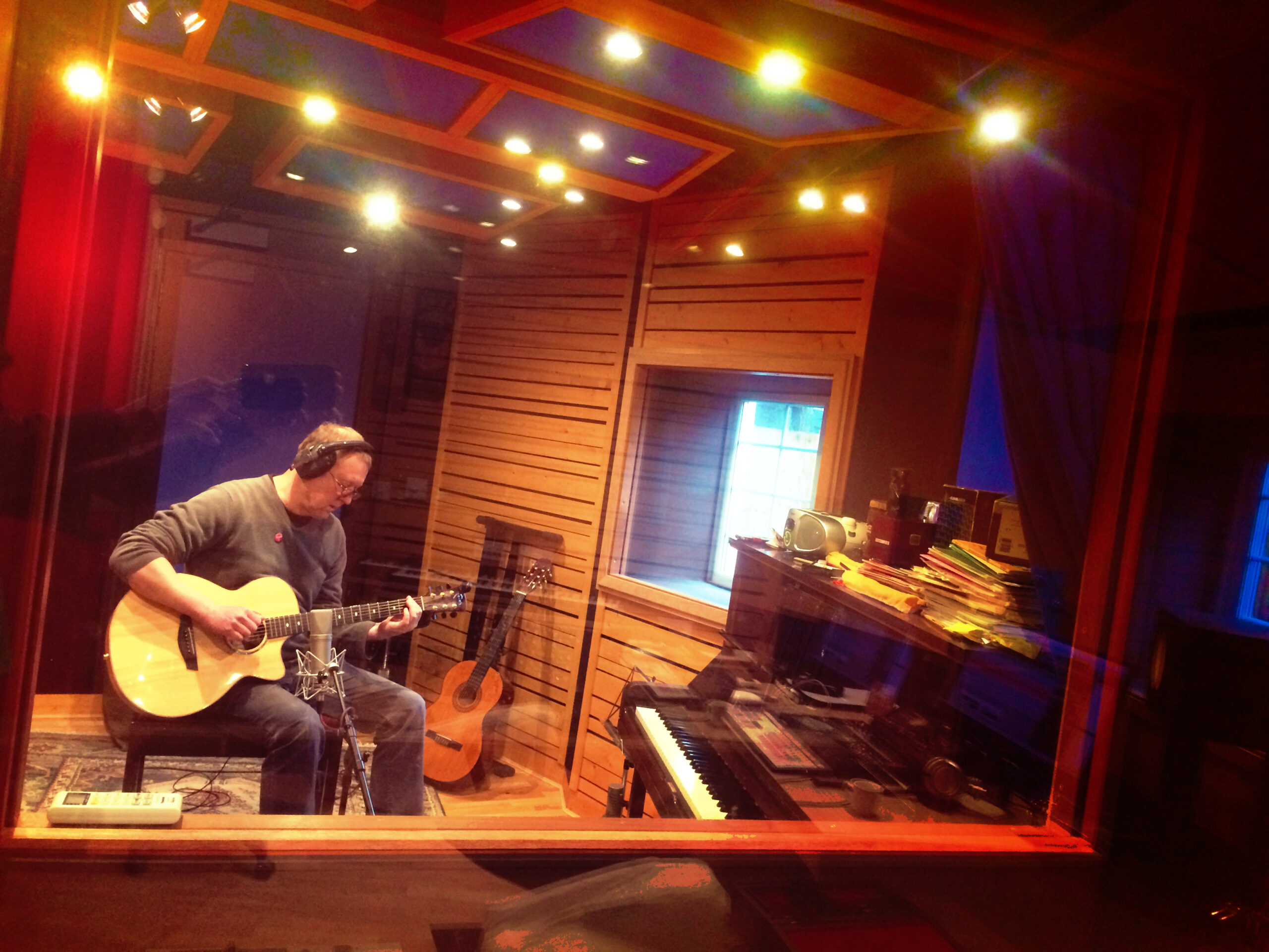 Slipway-Studio_Acoustic-Guitar_Recording_02