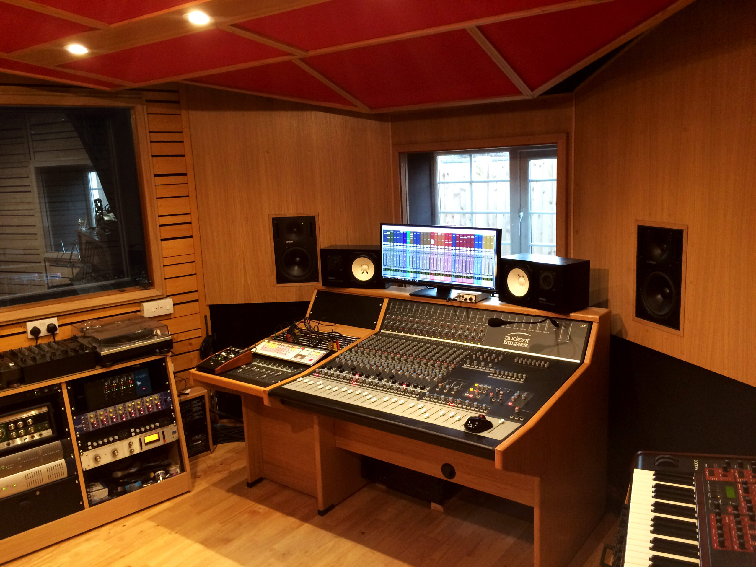 Slipway-Studio_Audient-ASP4816_desk_02