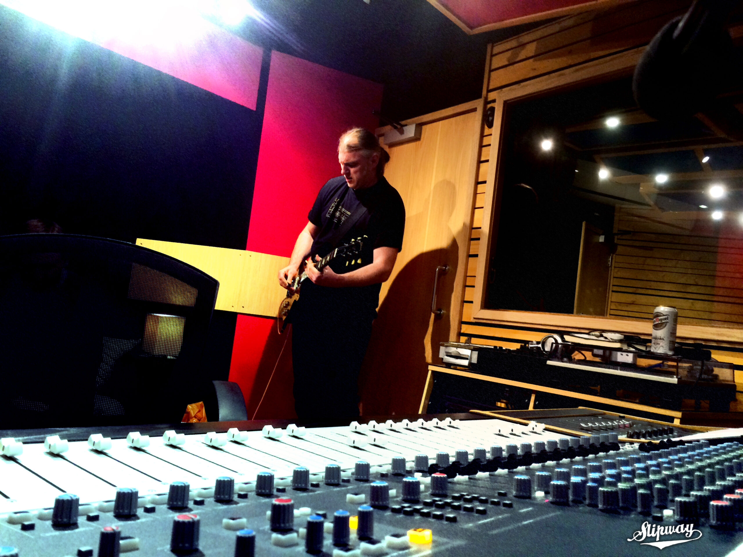 Slipway-Studio_Electric-Guitar_Recording_01