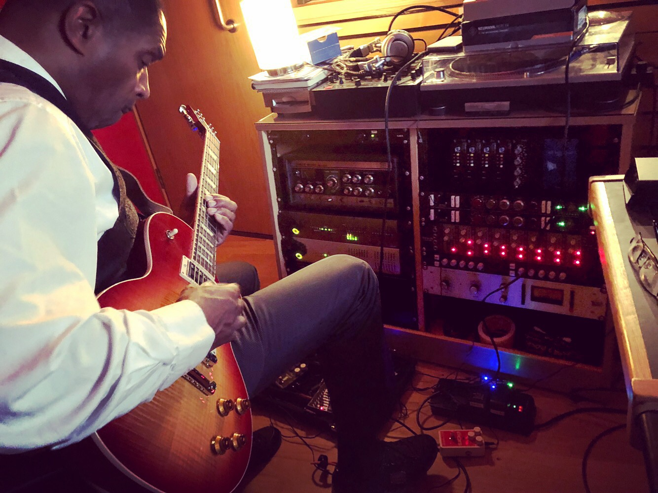 Slipway-Studio_Electric-Guitar_Recording_02