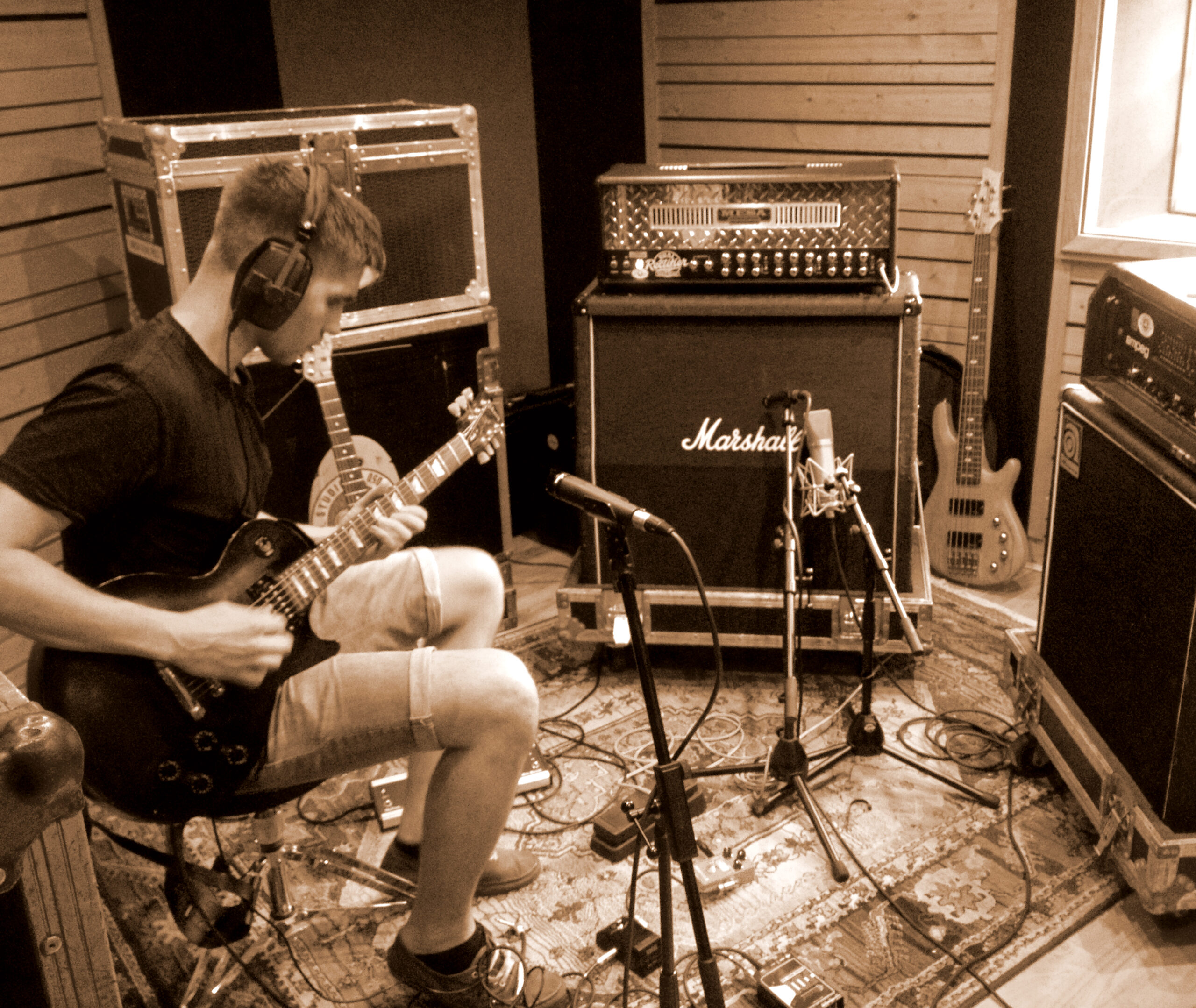Slipway-Studio_Electric-Guitar_Recording_03