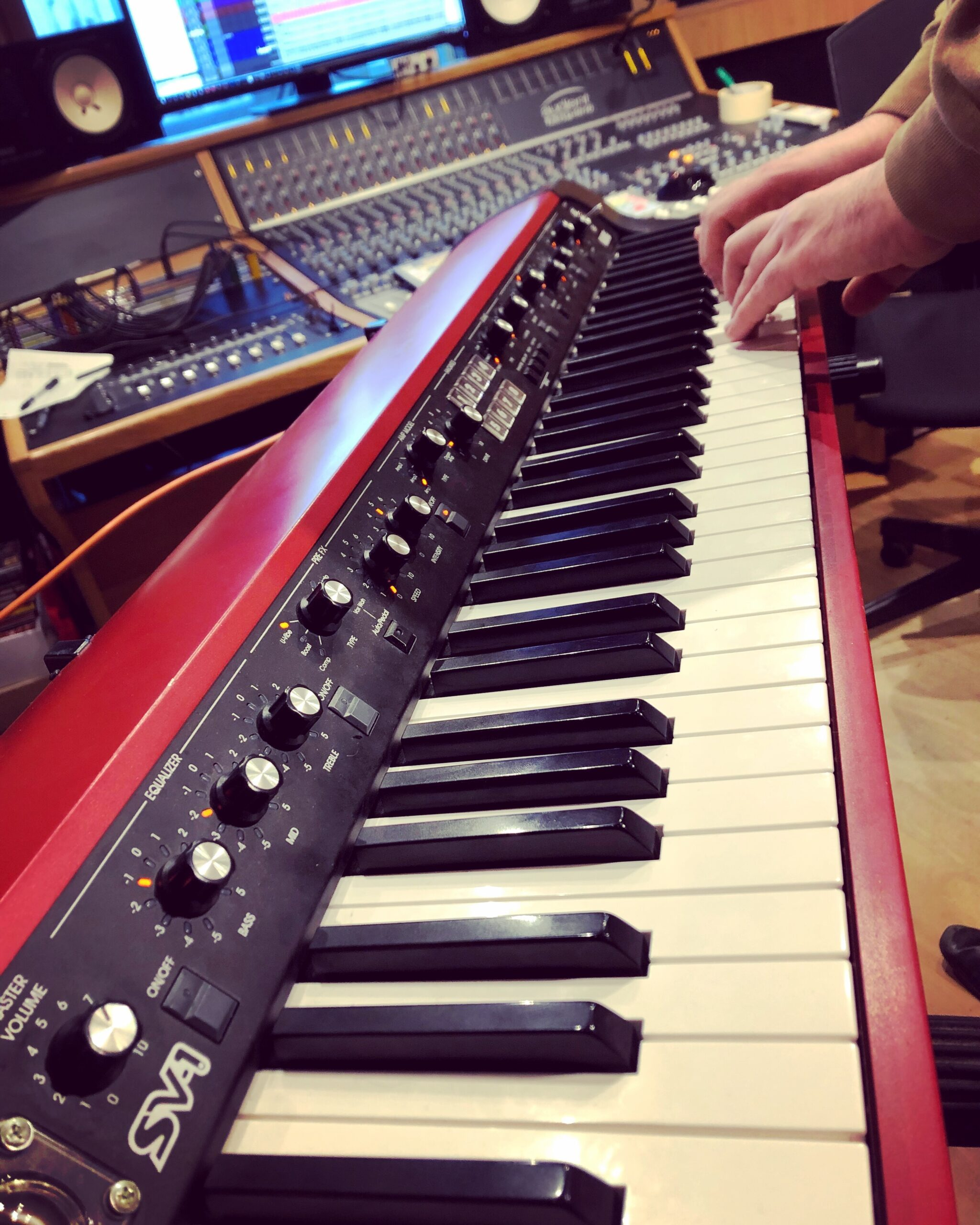 Slipway-Studio_Keyboard-Recording_Korg-SV-1