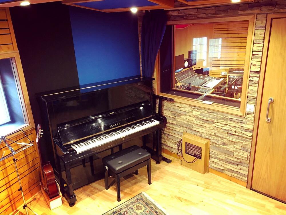 Slipway-Studio_Yamaha-U3-piano_1