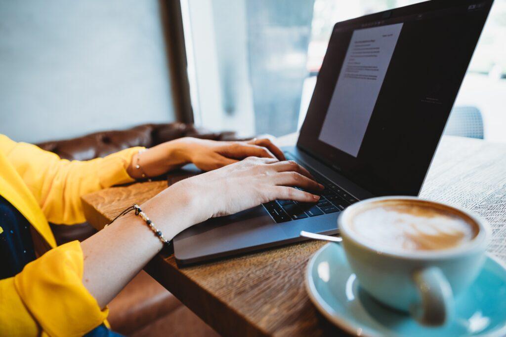 why not hire freelance blog writer