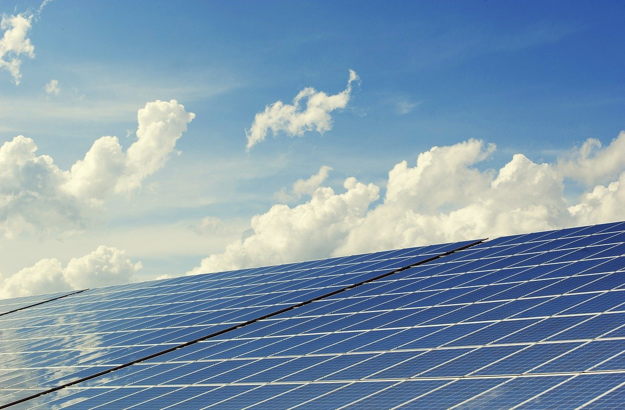 aurinkopaneeleja