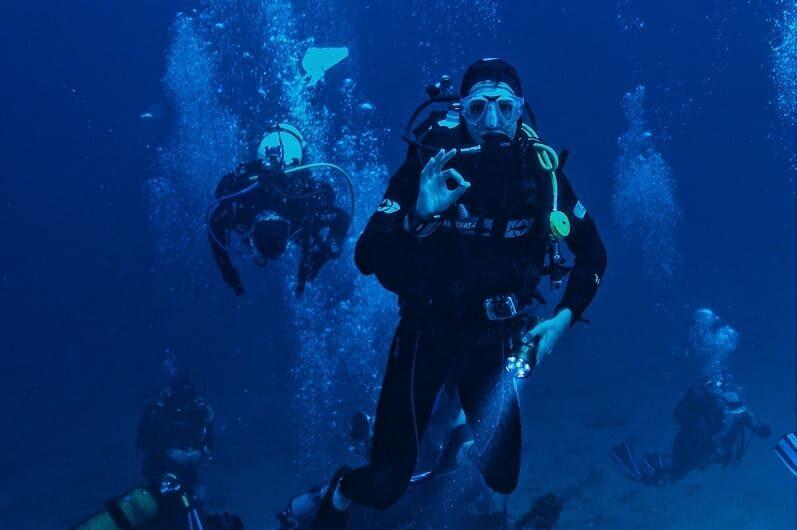 Scuba diving in Lake Como