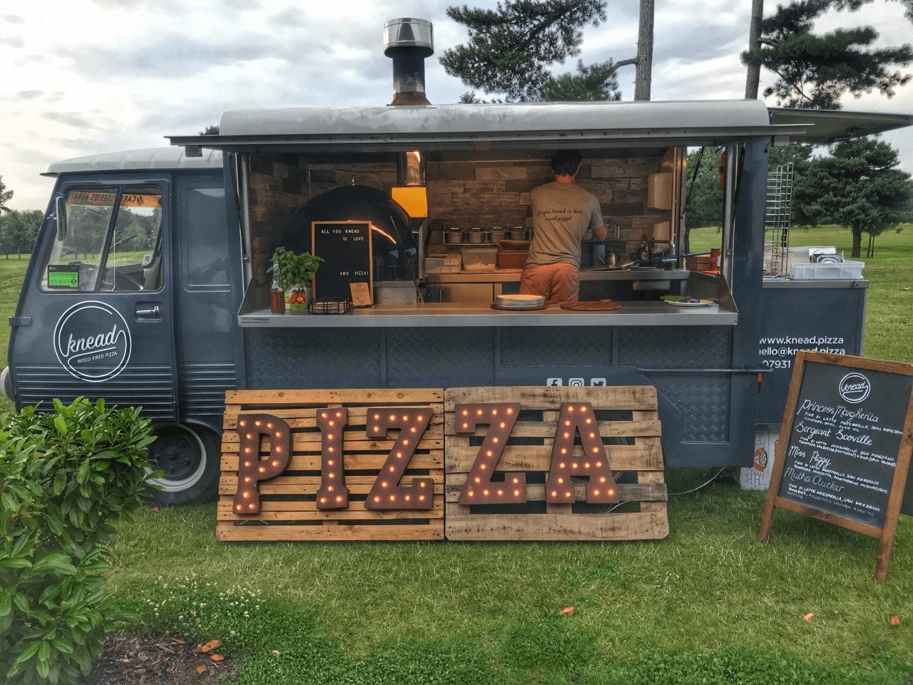 knead wood fired pizza van