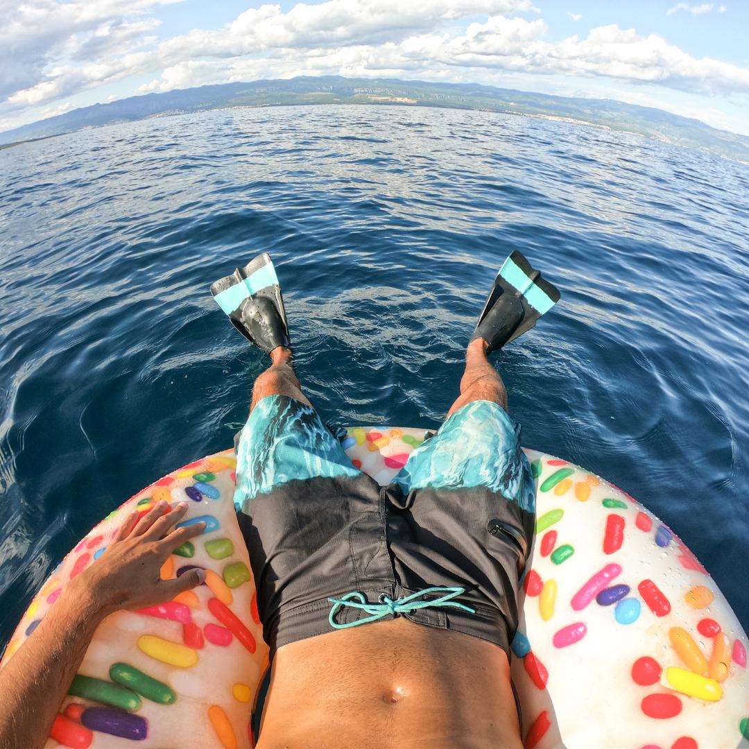 Donut ride - Water Activities - yachtrentaldxb.com