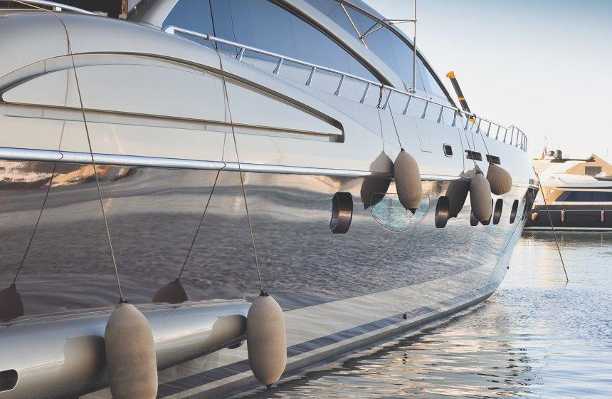 Service_Yacht_02 - YachtRentalDXB.com