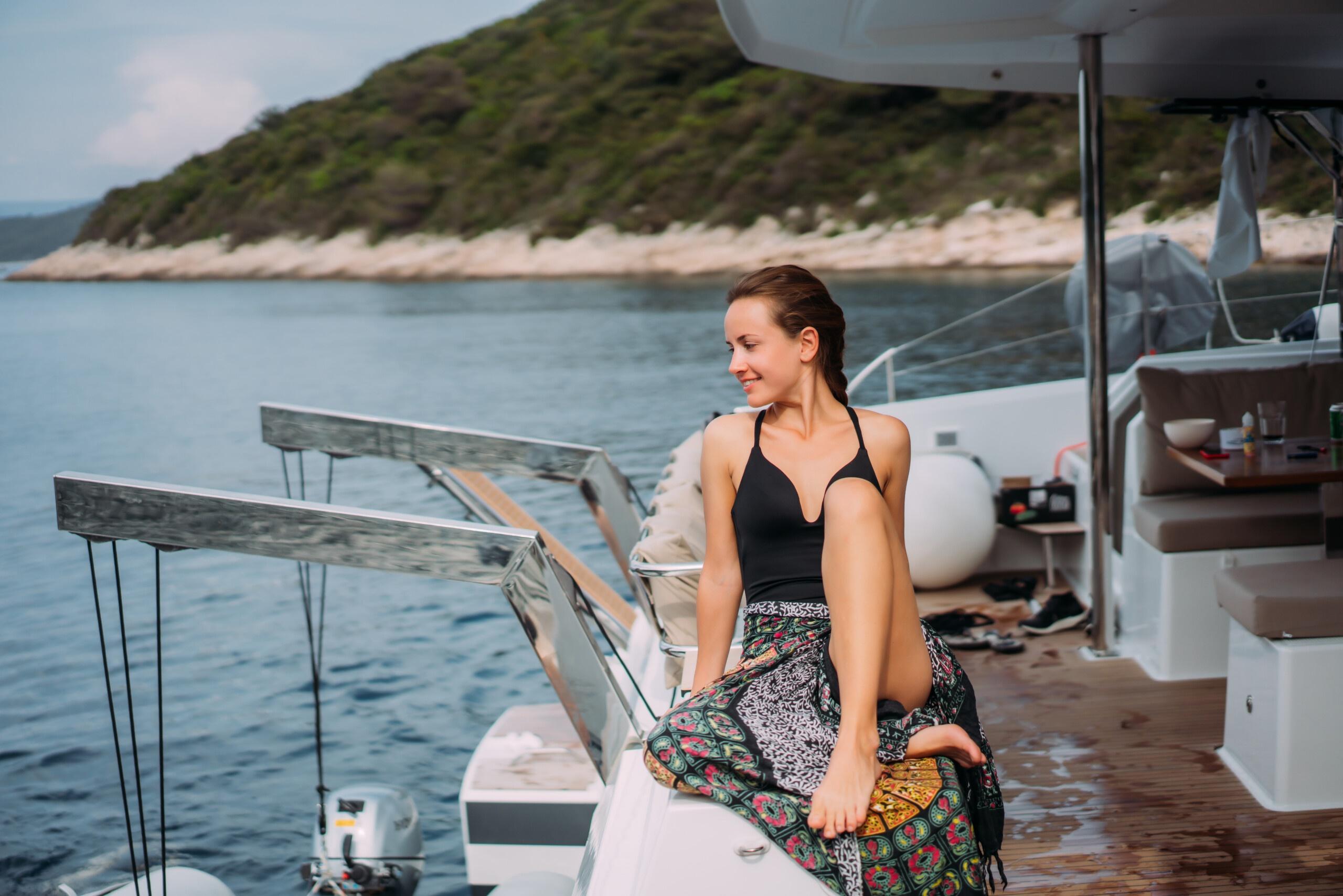 Yacht Rental DXB Slider 2