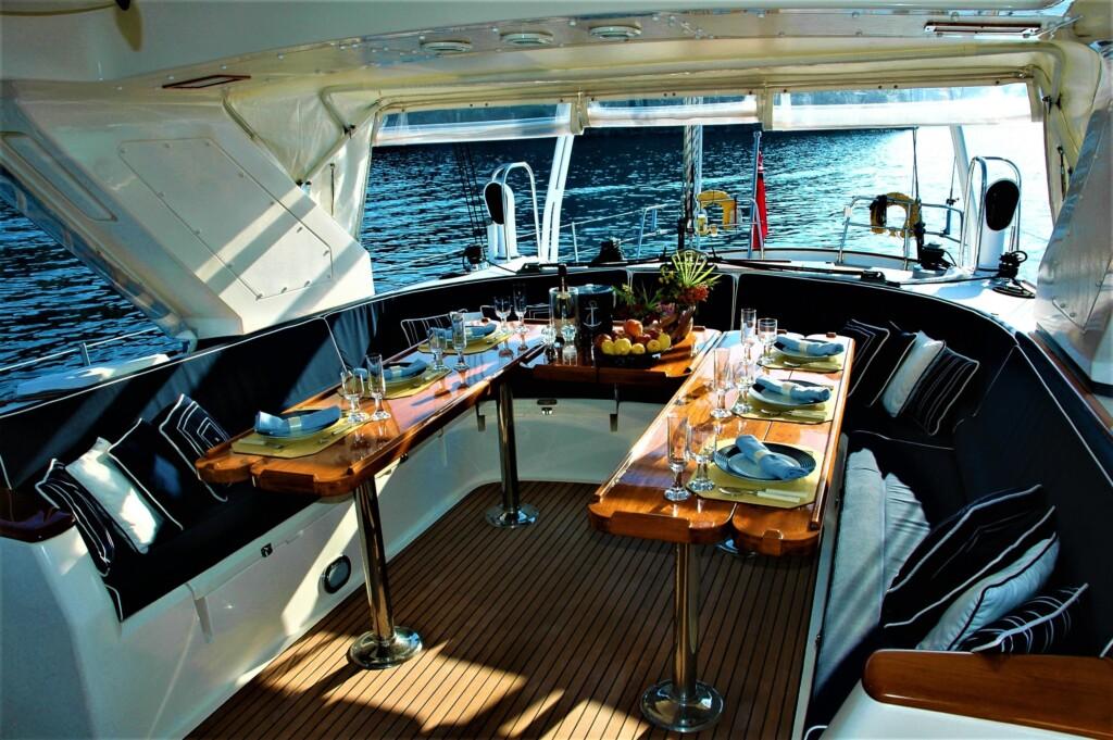 Corporate yacht tour packages dubai