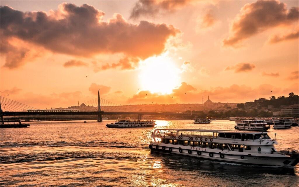 Sunset Cruise tour packages dubai