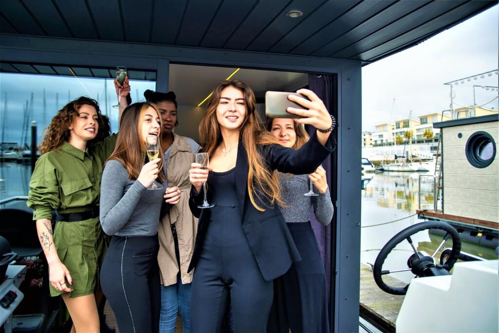 Team Building yacht tour packages dubai