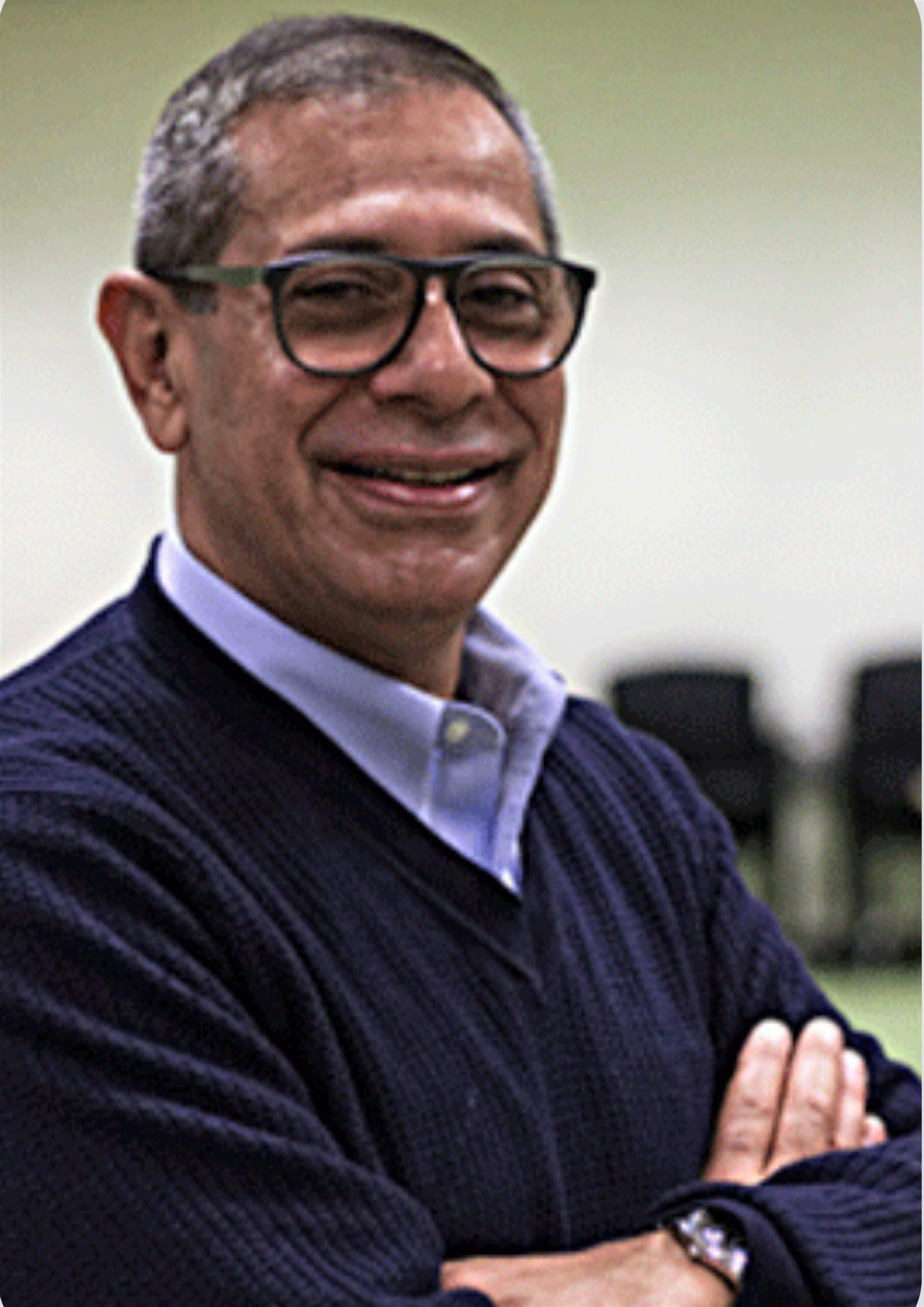 Dr. Salvador Fernandez