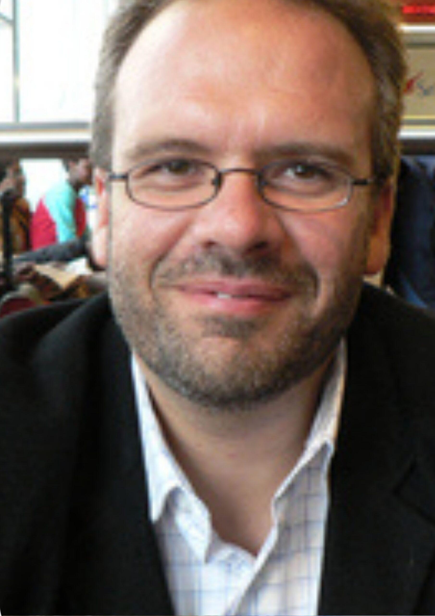 Dr. Zsolt Lavicza