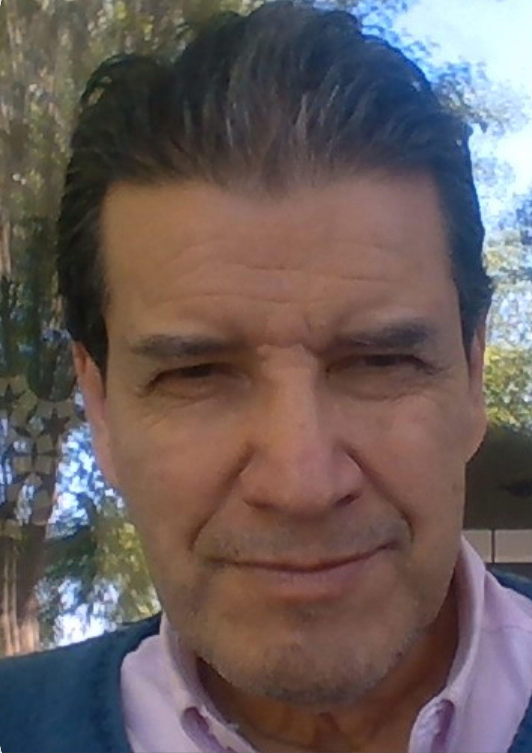 Dr. Roberto Araya