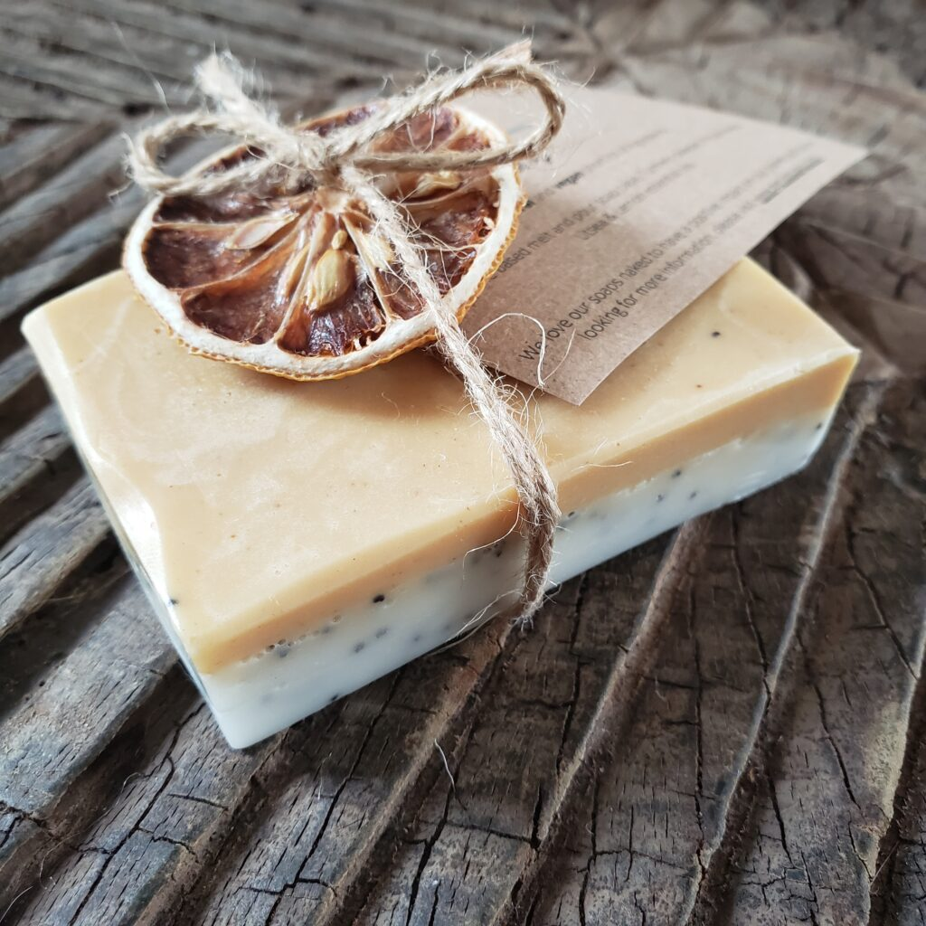 Final product of our Génie Soap-Making Kit | Lemon & Poppy