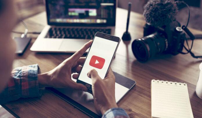 Digital_voices_YouTube-min