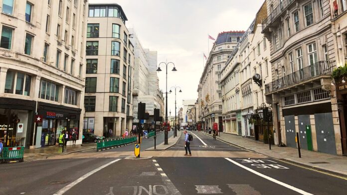 LONDON ON LOCKDOWN © Mark Johnson