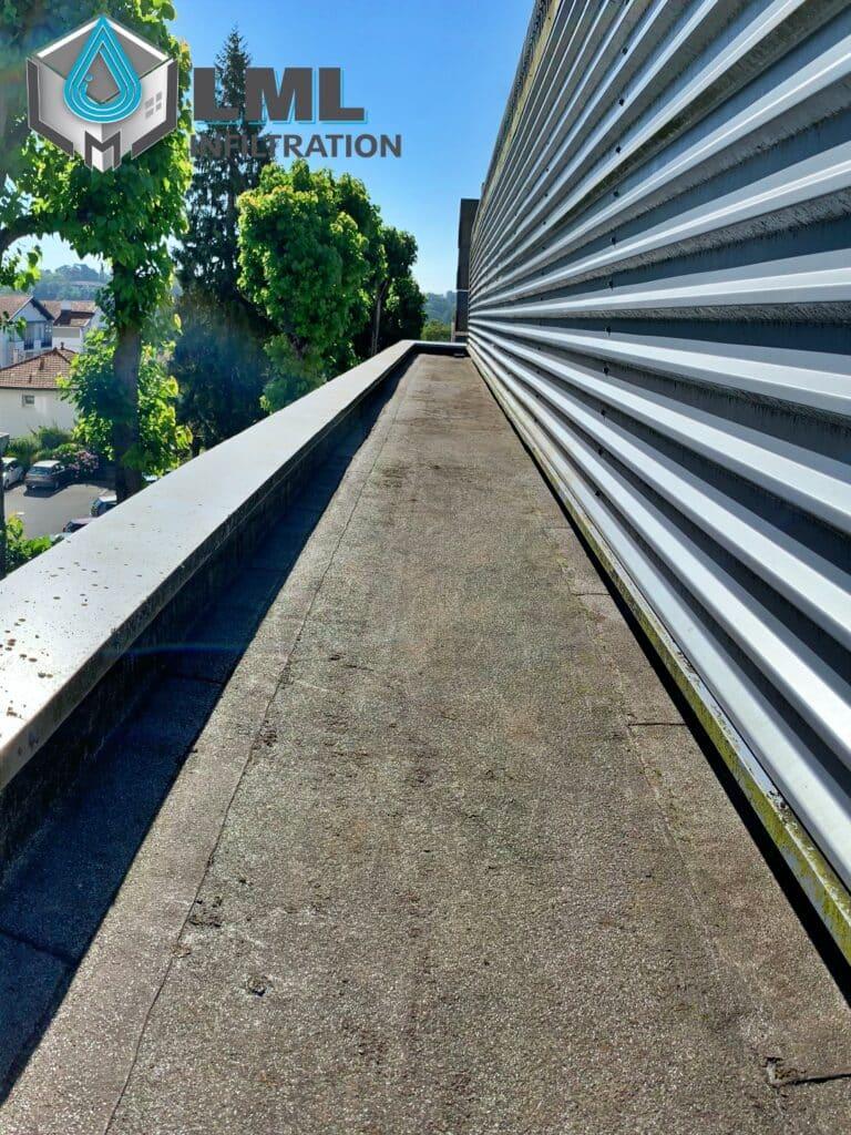 Nettoyage toiture terrasse autoprotégée
