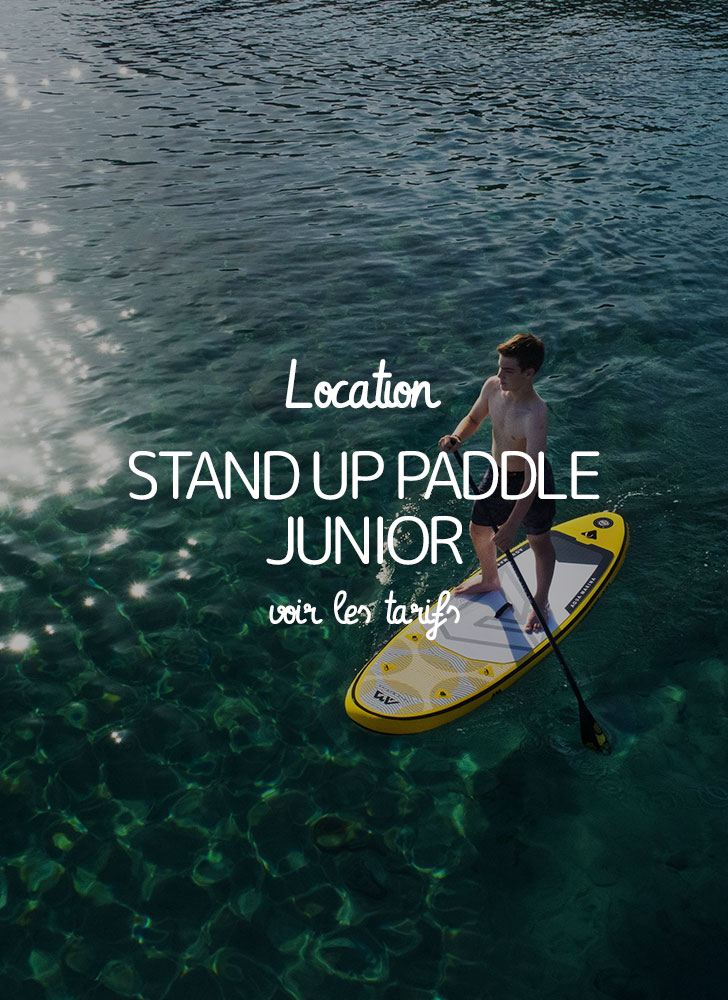 image d'un garçon adolescent fait du stanp up paddle gonflable