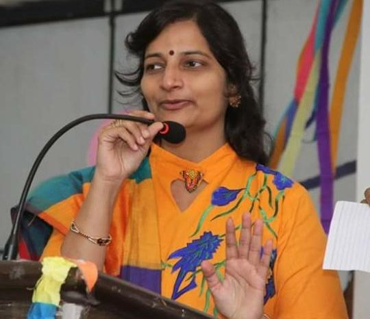 Marrying into the Family Business : Shining a Light on the Roles of Handloom Art - Tejashree Najwale