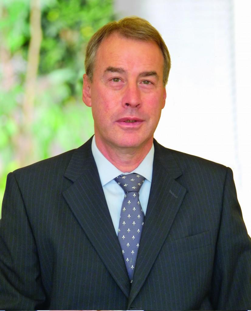 Dr Mark Simpson